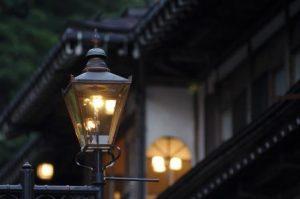 В каких городах продолжают работать газовые уличные фонари
