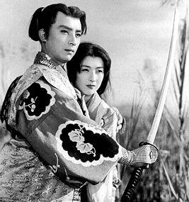 Знаменитый японский актёр умер из-за съеденного фугу